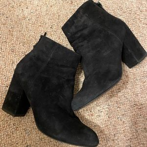 Steve Madden Cynthia Black Heeled Ankle Bootie